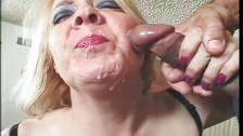 Dauergeile Granny in Muschi Pornos gebumst